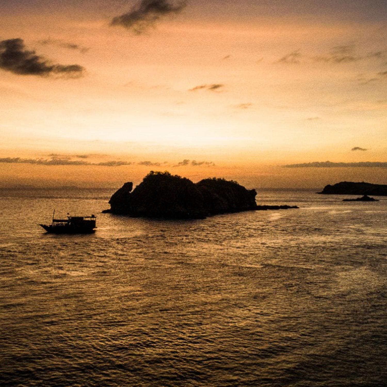 Diving Komodo Liveaboad sunset